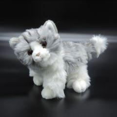 Flauschiges Kätzchen aus Plüsch grau/weiß stehend